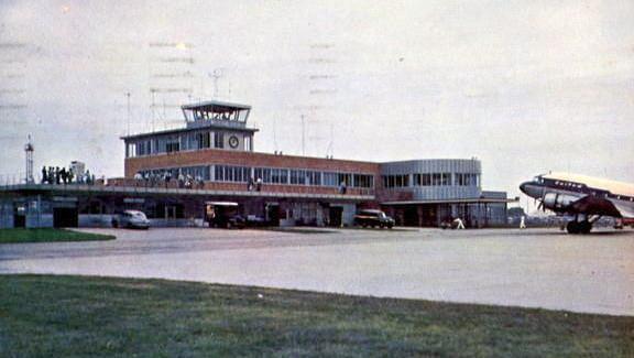 DM Municipal Airport c1950