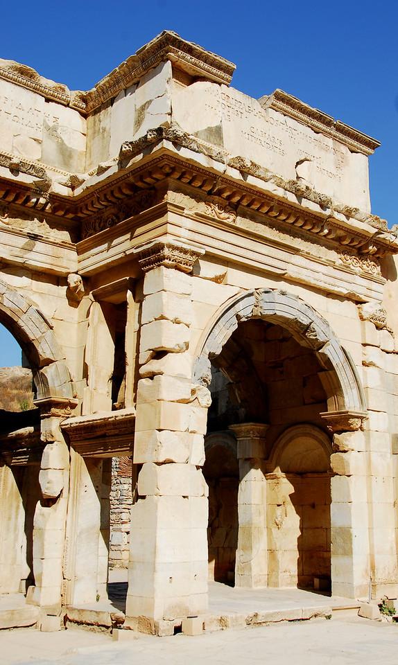 Ephesus324 - Archway
