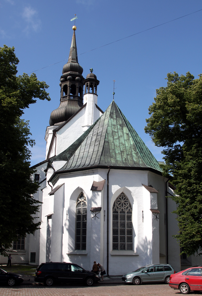 Toompea - Toomkirik, the Lutheran Dome Church is Estonia's oldest church dating from the 14th century.