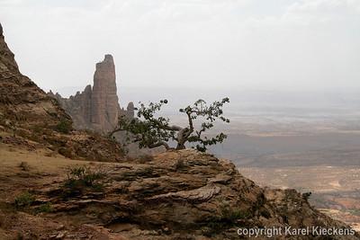31 Zicht, op de rotsen van Abuna Yemata Guh
