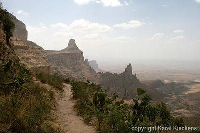 30 Zicht, op de rotsen van Abuna Yemata Guh