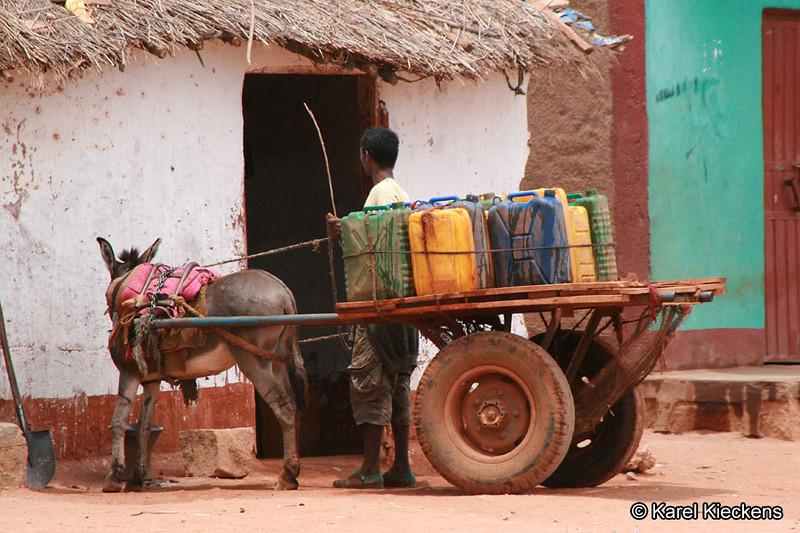 07 Oost-Oromia_Waterbezorgig aan huis
