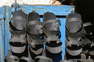 18  Sandalen van autoband