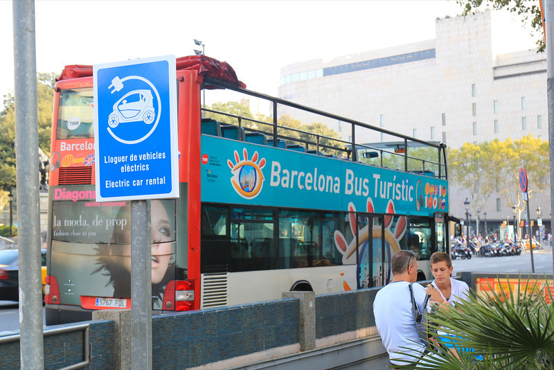 we used the Barcelona Bus Turistic to tour Barcelona