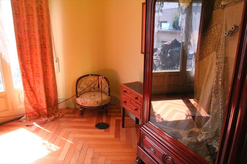 bedroom at La Padrera, Antoni Gaudi architect