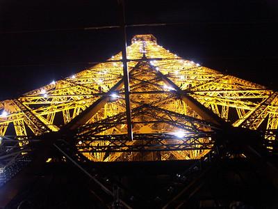 2004-06-20 Paris: Louvre, Champs-Elysees, Arc de Triomphe, night view of Eiffel Tower