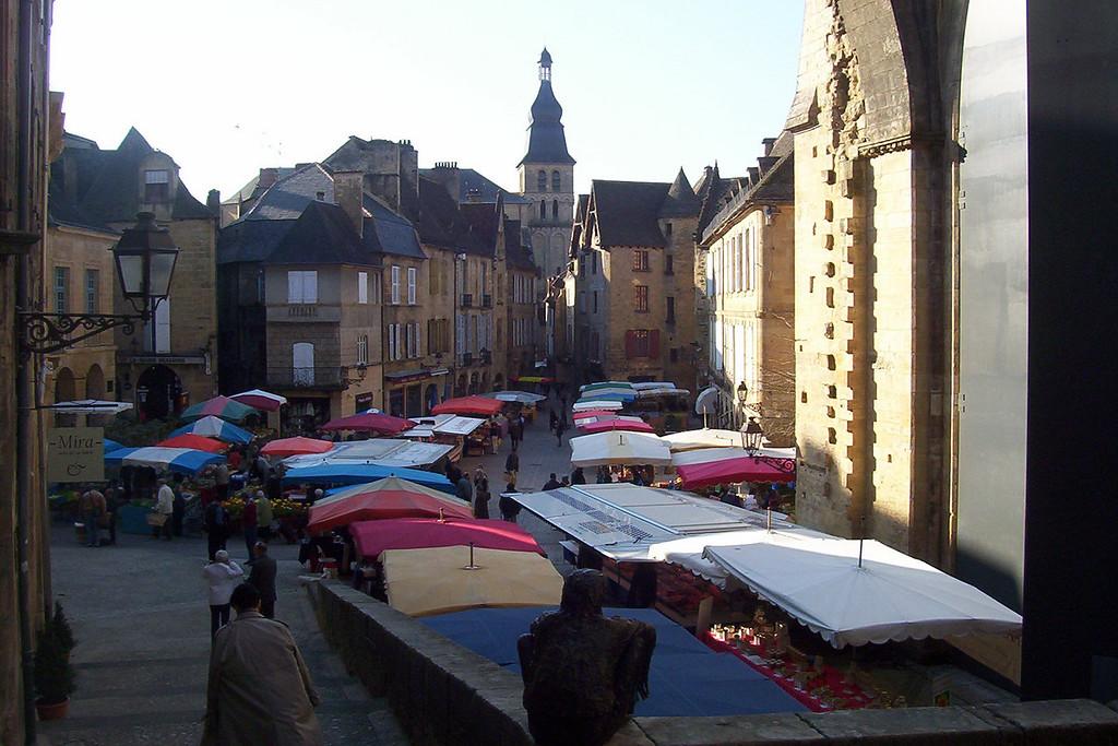 Early Saturday morning in Sarlat, market day.