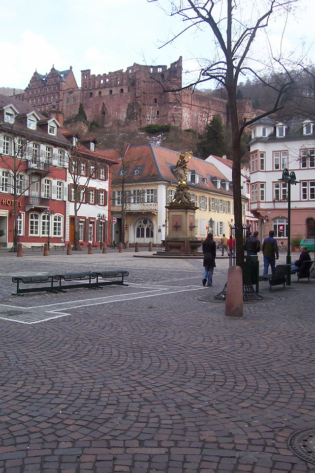 View from another platz of the castle. University bookstore on this platz, Derek's dorm about two blocks away.