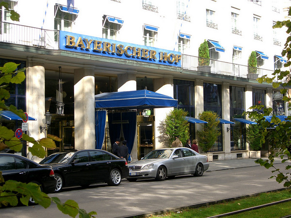 We started the evening here at the Bayerischer Hof, one of the nicest hotels in Munich and my favorite!