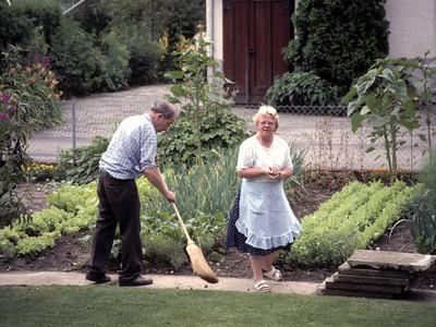 Visiting herr und frau Kühni, Romi's parents, in their back yard in Utzenstorf. How Swiss can you get? -- clean sidewalk and fresh vegetables for dinner!
