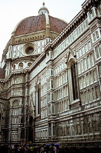 The Duomo in Firenze as the rain starts falling