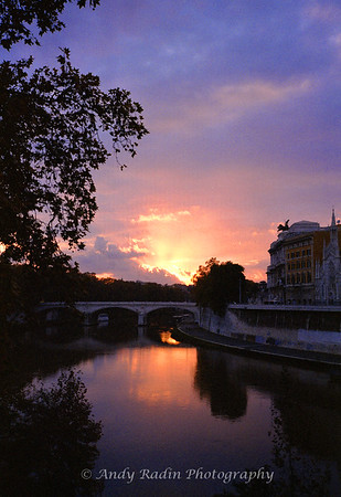 Sunset over the Tiber