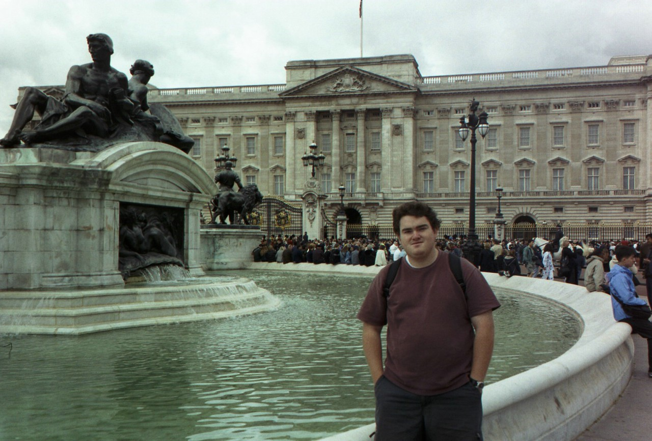 Fountain in front of Buckingham Palace.