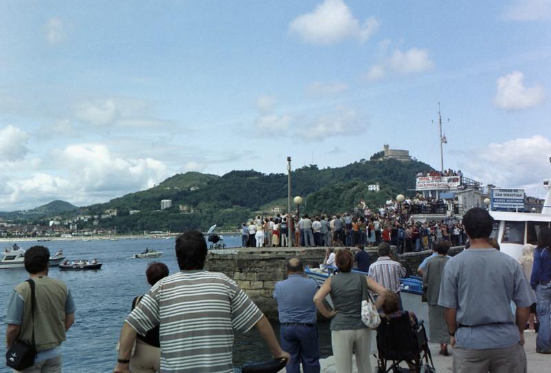More Basque demonstrators.