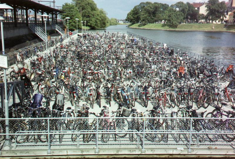 Where's David?  Somewhere in the sea of bikes near the Malmo train station.