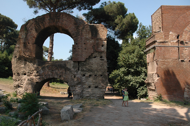 Remains of aquaduct that carried water to Palatine Hill.
