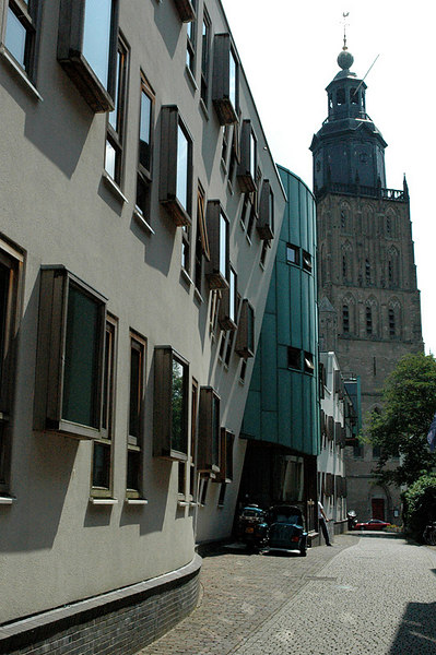 City hall with Walburgskerk in the background.