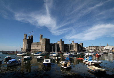 "Caernarfon Castle (pronounced ""kyre-nar-von"")"