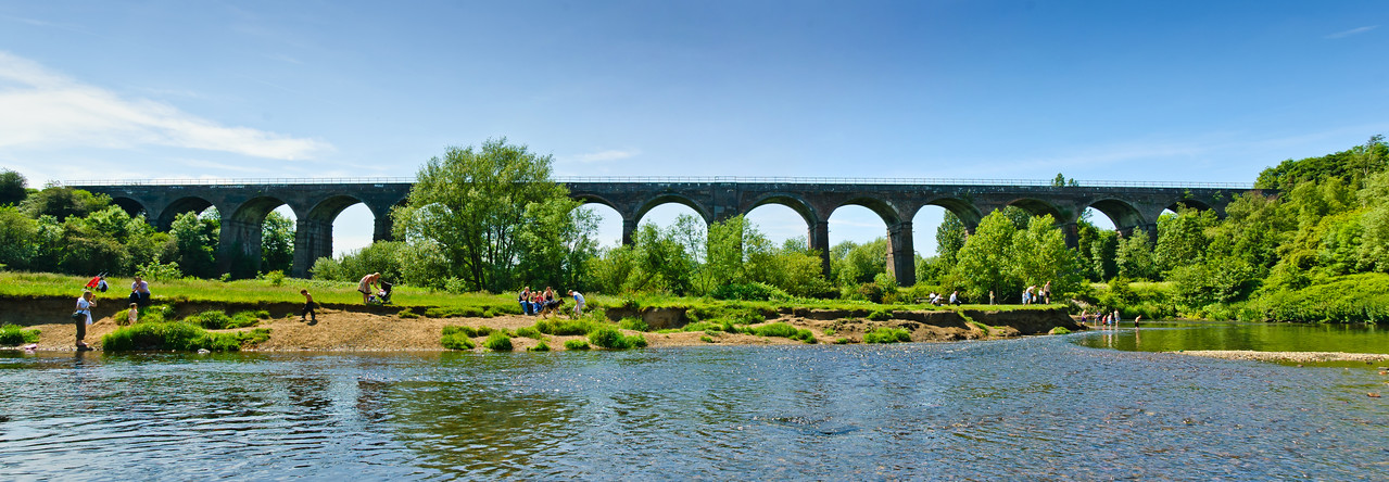 Tame Viaduct Sixteen Arches Reddish Vale Denton Manchester United Kingdom