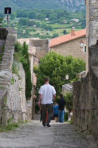 Walking down the steep streets of Bonnieux.