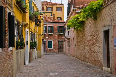 Venice: Walkways