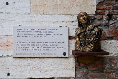 Verona: Piazzas Bra & Erbe