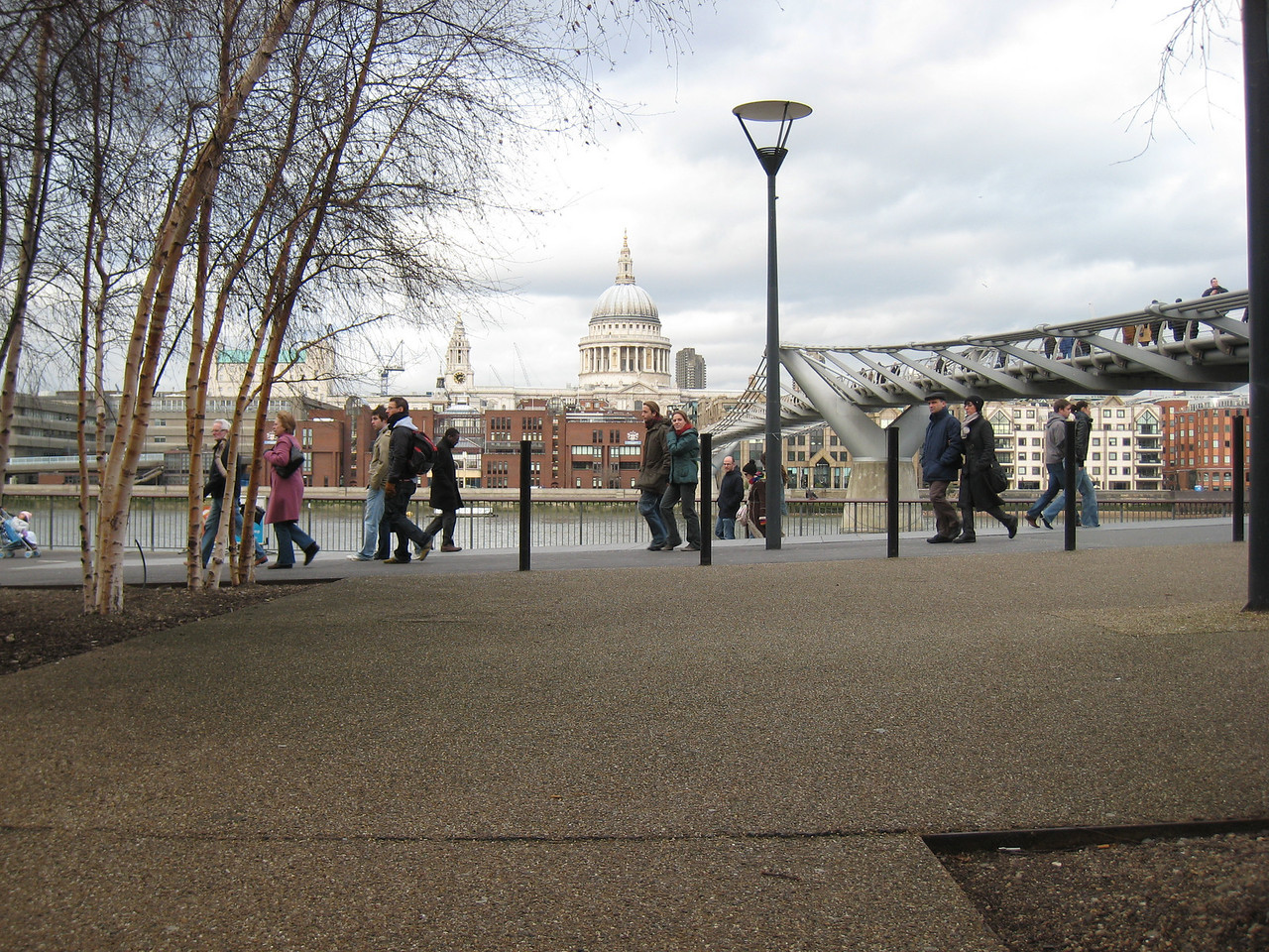 The millenium bridge from the Tate Modern
