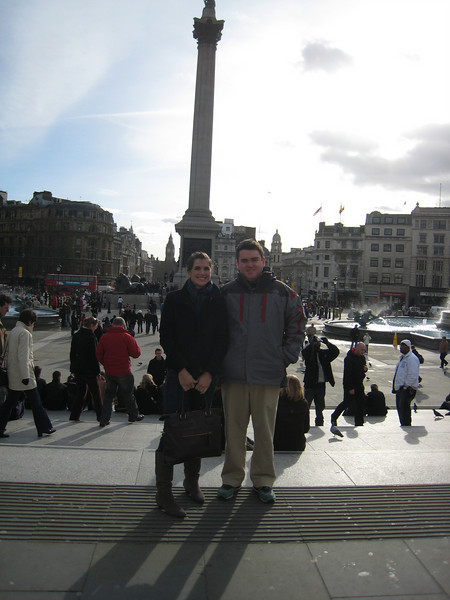 Ashli has arrived, and she's at Trafalgar Square with me