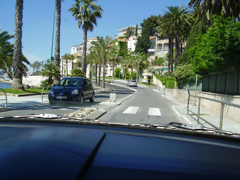 Arriving in the town of Bandol.