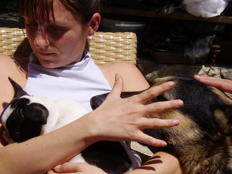 Lysiane and her new French bulldog puppy Raymond.