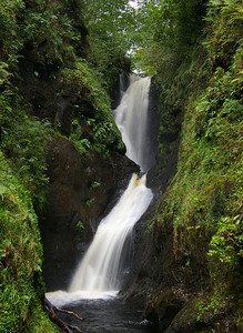 Ess-na-Larach waterfall, Glenariff Forest Park co. Antrim GFP-03