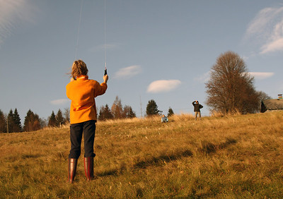 Flying kite at Mackarna.
