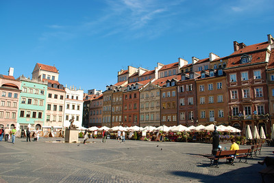 Old Town Market Square.  Originally from the 13th-14th century. Rebuilt after to the war to what it looked like in 17th-18th centuries. Warsaw, Poland