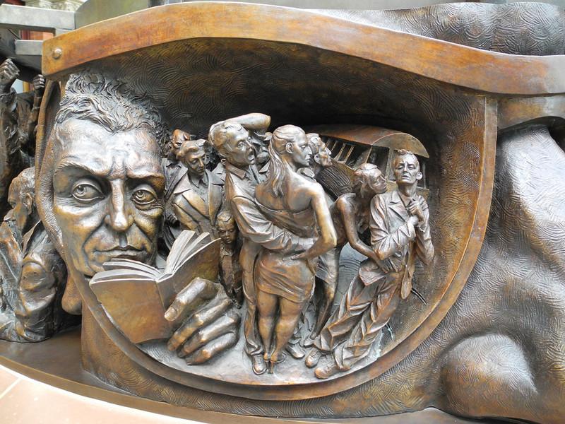 London: St Pancras St., Paul Day sculpture detail