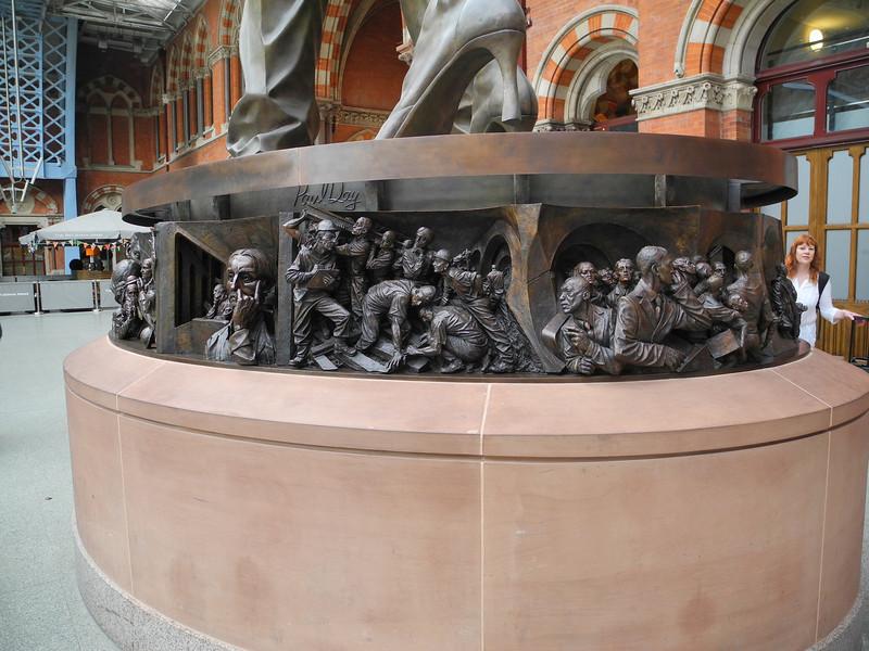 London: Paul Day sculpture, St Pancras St.