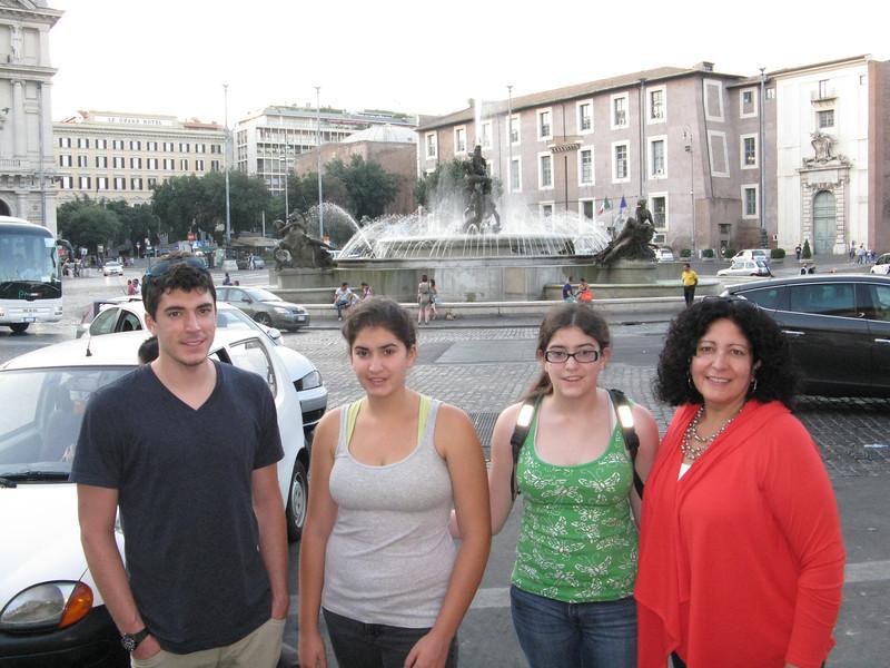 Fountain at Piazza Della Repubblica. Alex, Marissa, Alica, and Christine.