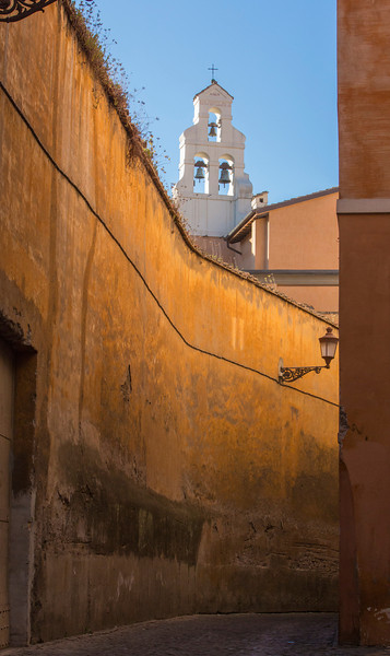 Nice light in an alleyway near the Trevi Fountain.