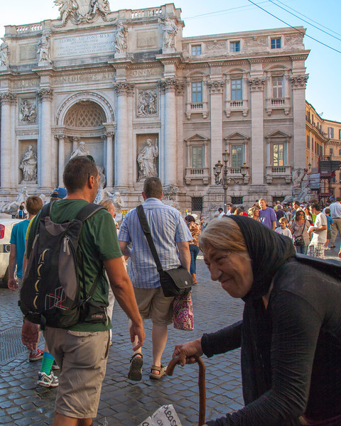 People in the crowd as we approached the Trevi Fountain.  Rome, Italy.