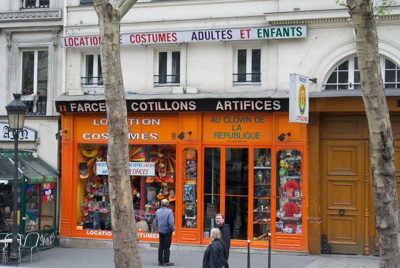 Paris. Clown shop