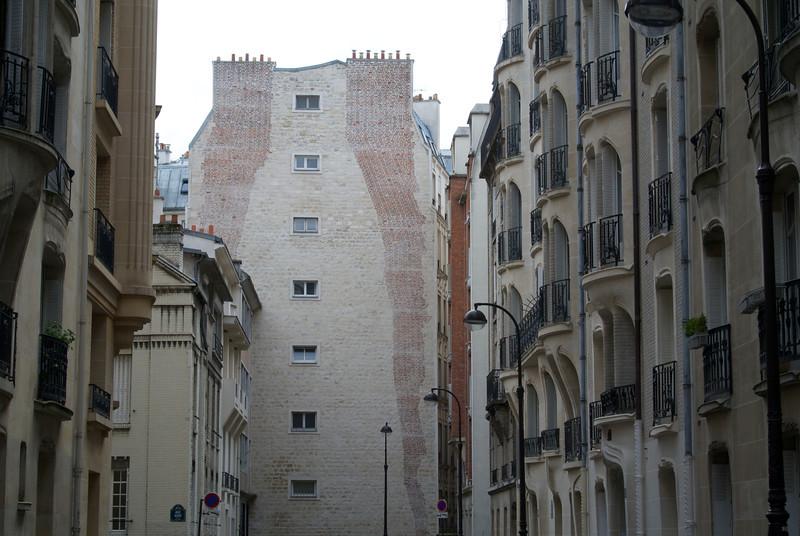 Paris: How to build chimneys