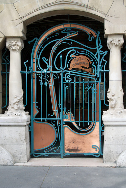 Paris: Castel Béranger by Hector Guimard, 2013