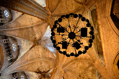 Lamp & ceiling of Barcelona Cathedral