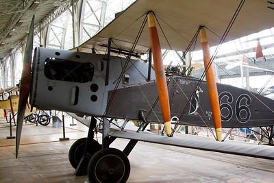"Bristol Fighter F2B Type 17; reconnaissance, ""sa production depasse les 5000 exemplaires"""