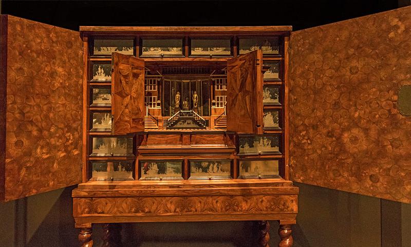 Beautifully made cabinet.