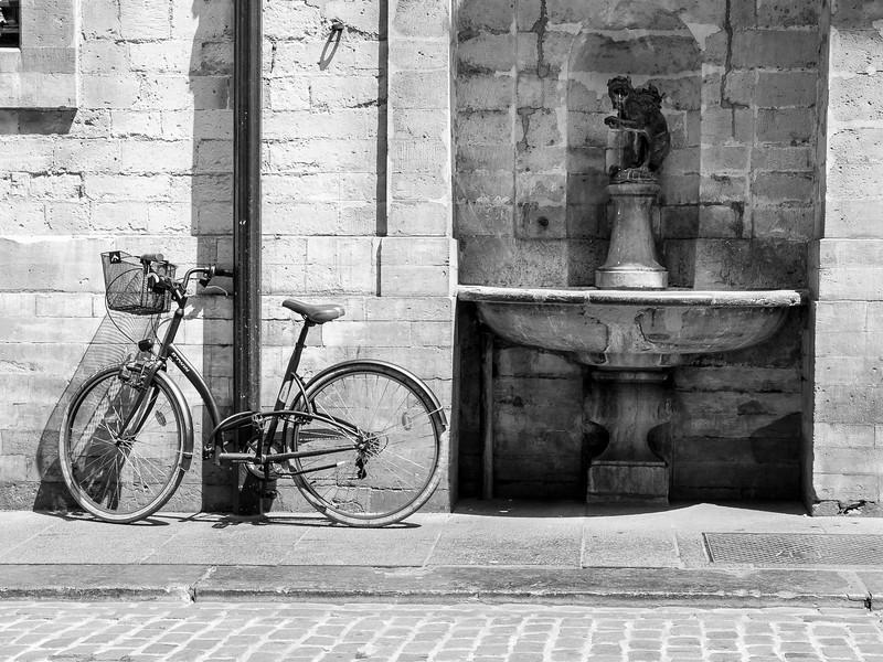 Neighborhood fountain