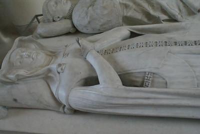 Double tomb of Pierre d'Evreux-Navarre (Comte de Mortain) and his wife Catherine D'Alencon