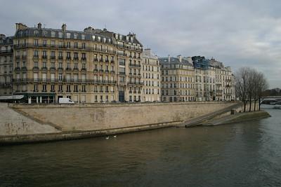 Quai d'Orléans, Île Saint-Louis, from the Pont Saint-Louis