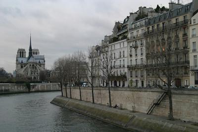 Notre Dame and the Quai d'Orléans of Île Saint-Louis, from the Pont de la Tournelle