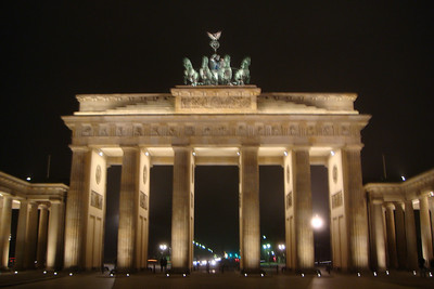 A decent shot of the Brandenberg Gate on Sunday night, when we arrived in Berlin.