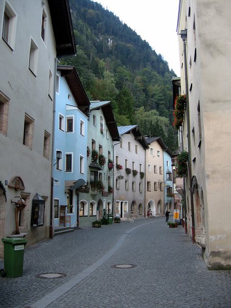 Crystal Town, Austria
